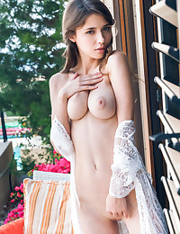 Nogeti featuring Mila Azul by Alex Lynn