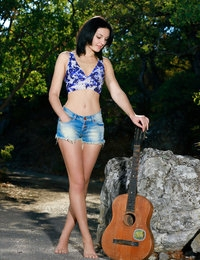 Fisena featuring Florina by Matiss