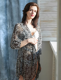 Alsina featuring Lara D by Iona