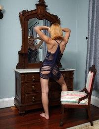 String Along featuring Aurora Zvezda by Als Photographer