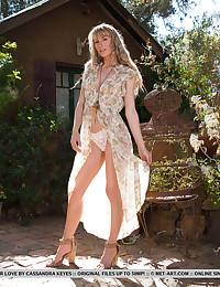 Presenting Jennifer Love featuring Jennifer Love by Cassandra Keyes