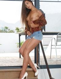 Breonda featuring Lorena B by Luca Helios
