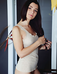 Presenting Hayli Sanders featuring Hayli Sanders by Arkisi