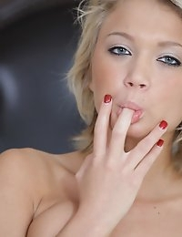 Cute coed Dakota Skye gives her wet bald pussy a hot horny rubdown and then uses a toy to satisfy her cum craving twat