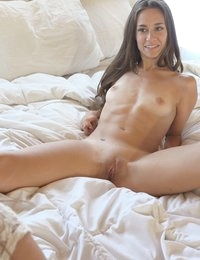 Tanned toned Cassidy Klein gets casted by Maryjane Johnson then gives her man a hardcore raunchy fuck fest