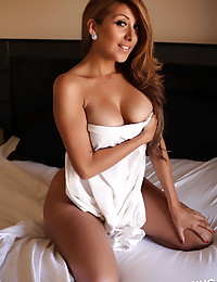 Sexy Alluring Vixen babe Sophia teases naked in bed with just a white sheet covering her perfect perky breasts