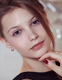 Etalde featuring Emma Sweet by Albert Varin