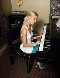 The Pianist featuring Alex Grey by Als Photographer